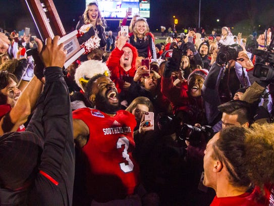 Southern Utah celebrates winning the Big Sky title