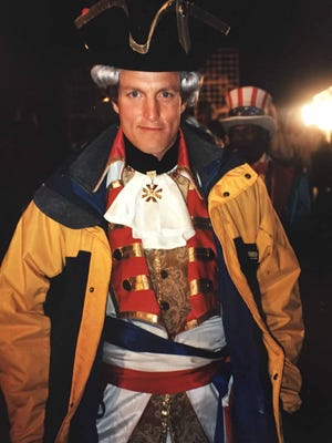 "Woody Harrelson dressed as Larry Flynt-as-George Washington for a Fourth of July party scene in ""The People vs. Larry Flynt"" that was shot at the Shelby Forest home of O'Farrell Shoemaker."