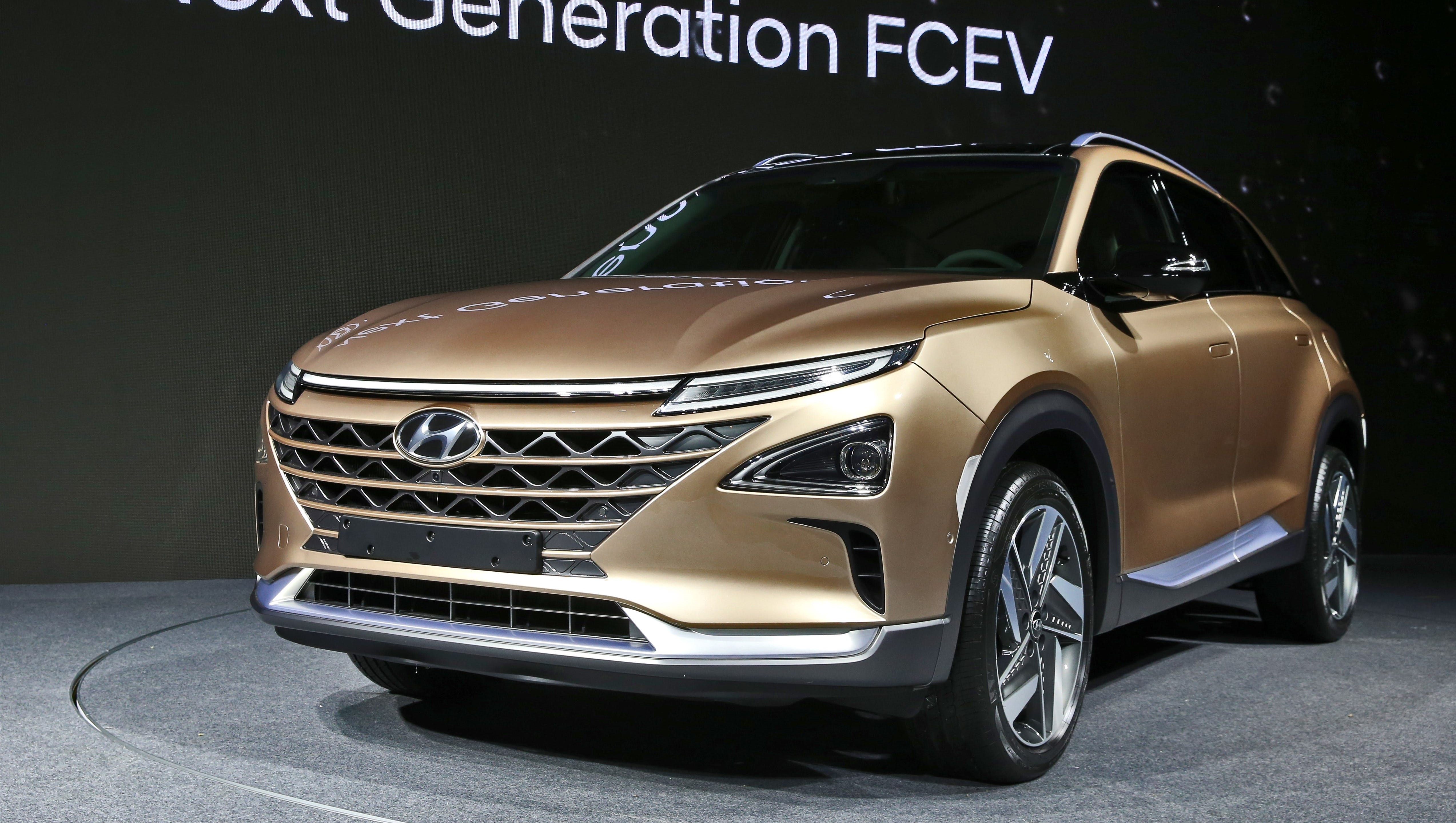 Hyundai Reveals Hydrogen Fuel Cell Suv With 360 Mile Range