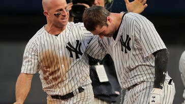 Yankees cap another dramatic comeback, beat A's in 11th inning on Neil Walker walk-off