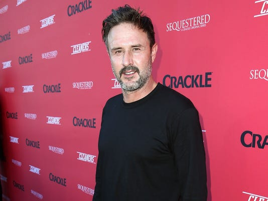 "David Arquette ""data-mycapture-src ="" https://www.gannett-cdn.com/media/2016/01/24/USATODAY/usatsports/arquette-e1408481585392.jpg ""data-mycapture-sm-src ="" https : //www.gannett-cdn.com/-mm-/c5e135f39b641a320291b60d64758ac5b28be685/r=500x342/local/-/media/2016/01/24/USATODAY/usatsports/arquette-e1408481585392.jpg"
