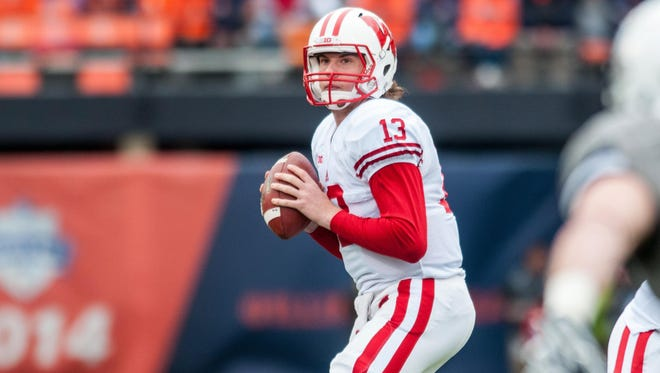 Wisconsin quarterback Bart Houston