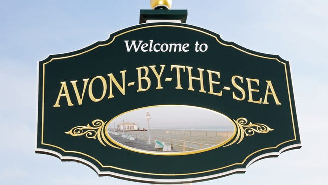 Avon-by-the-Sea welcome sign