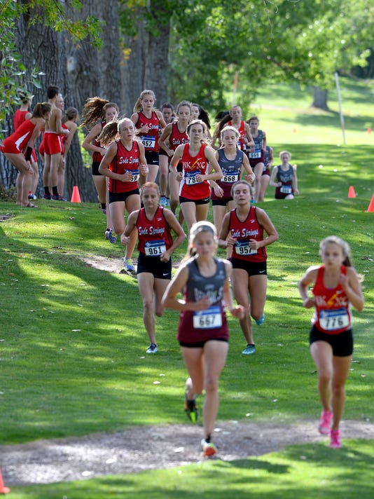 -09162016_cross country girls-v.jpg_20160916.jpg
