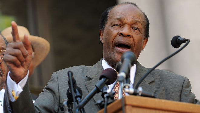 D.C. council member and former mayor Marion Barry speaks in Washington, D.C. in 2010.