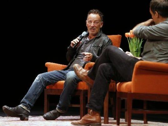 636113669530671031-AP-People-Bruce-Springsteen-.jpg