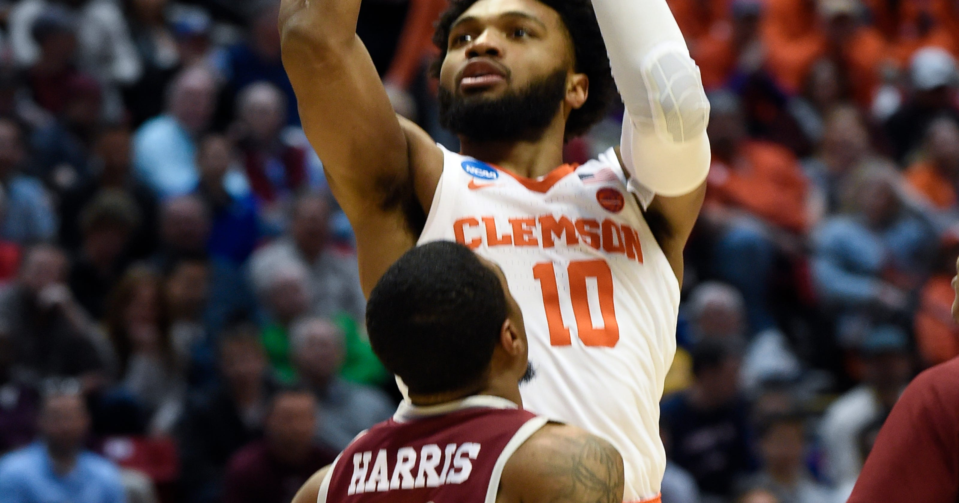 new styles 95fda c5b78 Hot-shooting Clemson Tigers reach 1st Sweet 16 in 21 years