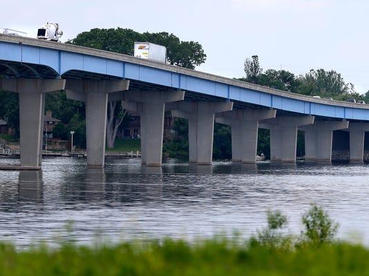 -APC US 441_Kampo Bridge 0106 062414wag.jpg_20140624.jpg