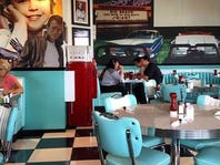5 must-go to diners in Southwest Florida.