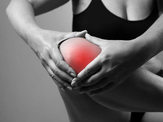 635944264994645802-Knee-pain.jpg