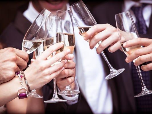 636432470626772095-Cheers.jpg