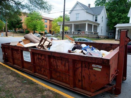 -LAF N Dumpsters_02.jpg_20120726.jpg