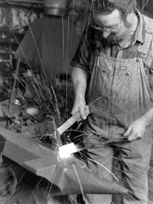 -dcn 0812 clearing blacksmith dan nauman .jpg_20150808.jpg