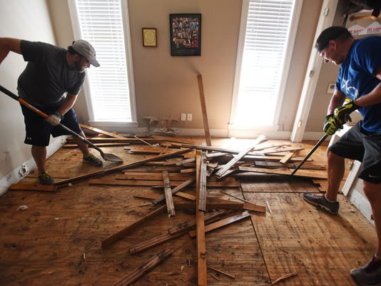 Safe Removal Cleaning Of Floors Is Essential After A Flood