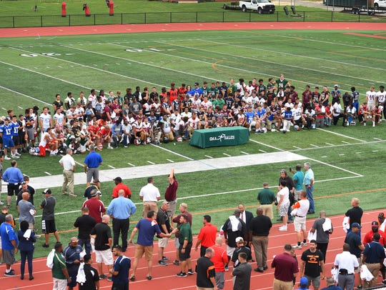 All players gather for a group shot during the NJSFC