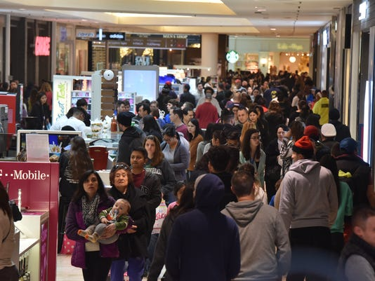 Black Friday scene at Westfield Garden State Plaza