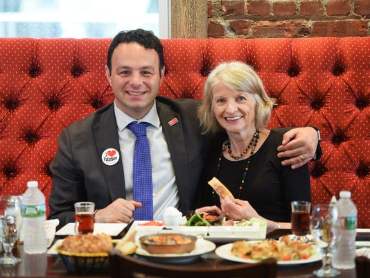 636691612144395478-paterson-food-crawl----mayor-and-Esther.JPG