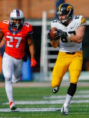 Jake Duzey #87 of the Iowa Hawkeyes makes a reception