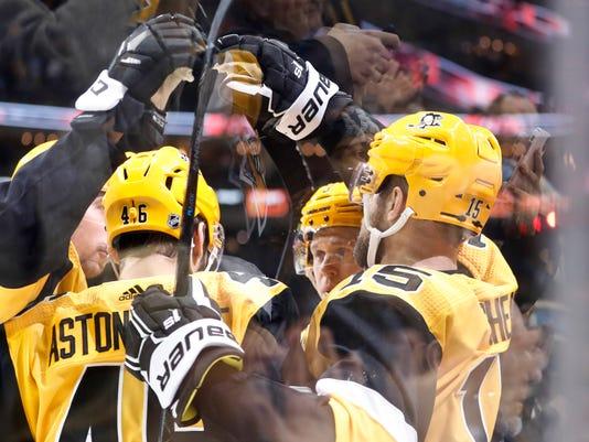 Panthers_Penguins_Hockey_53520.jpg
