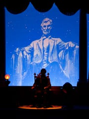 President Abraham Lincoln returns to the Main Street
