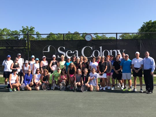 Participants of the 2nd annual Love for Lungs tournament pose for a picture.