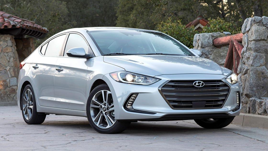 Review 2017 Hyundai Elantra Packs Advanced Features