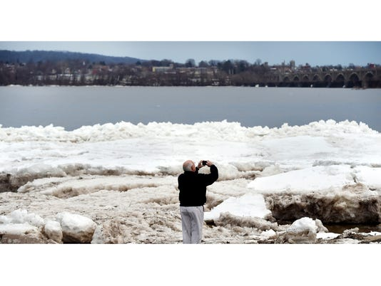 YDR-JP-020516-river-ice