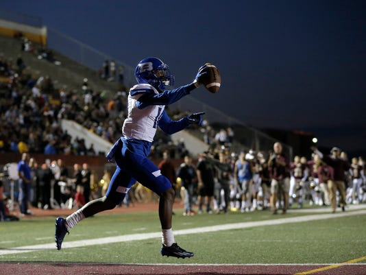 636108811483325815-Bowie-vs.-Andress-Football-7.jpg
