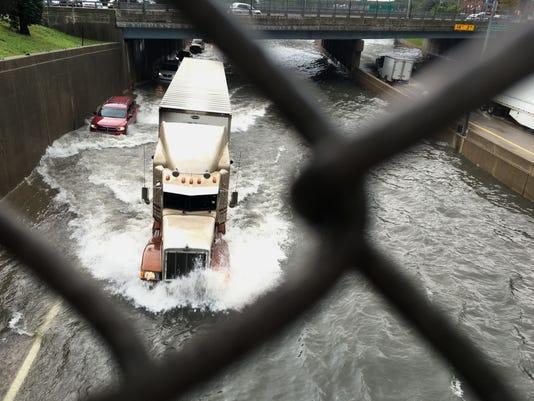 636110227164395176-flooding-2-.jpg