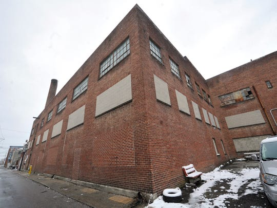 A group of York business people wants to open a facility to grow and process medical marijuana in a former tobacco-processing building at 213 E. Poplar St. in York.