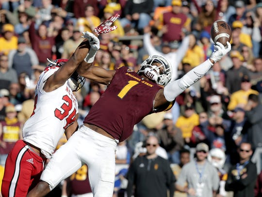 Arizona State wide receiver N'Keal Harry makes a juggling