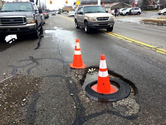 636555132953242020-pothole-18.jpg