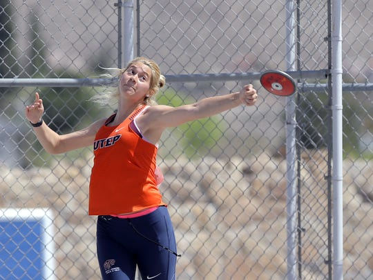 UTEP's Dawn Blazer competes in the discus at the UTEP