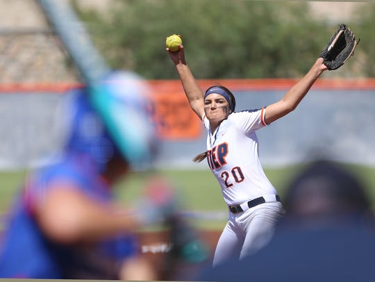 UTEP pitcher Kira McKechnie faces a Louisiana Tech