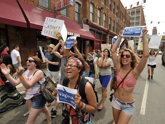-2012-0616-jg-SlutWalk-468t.jpg_20120827.jpg