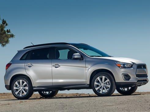 brand's best-selling U.S. models. A 2014 Outlander Sport SE is shown