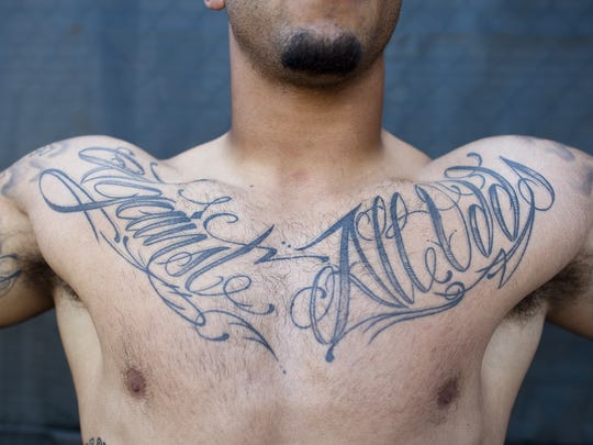 2012-12-01-colin-kaepernick-tattoos-2-ONLINE-ONLY