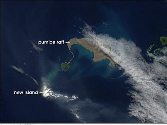 Pumice raft after 2006 eruption