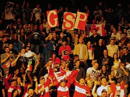 2012-11-16-UFC-GSP-fans