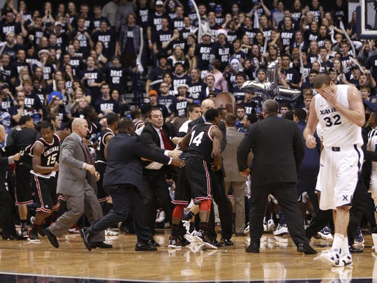 2012-12-18_Xavier-Cincy_brawl