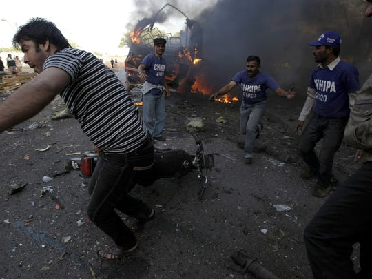 Pakistan bus explosion