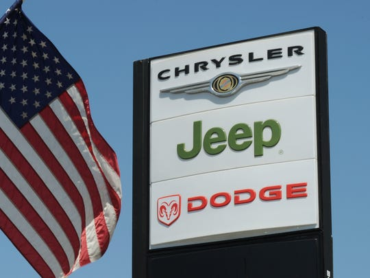 jeep logo sign 2010