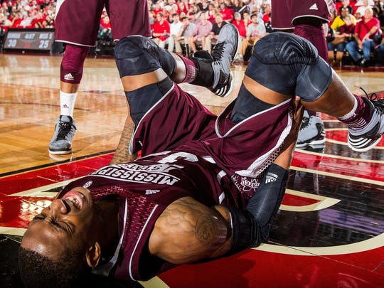Mississippi State Player Hurt >> Mississippi State coaches become players at practice