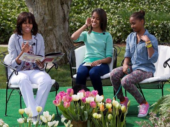 Michelle Obama with Malia and Sasha
