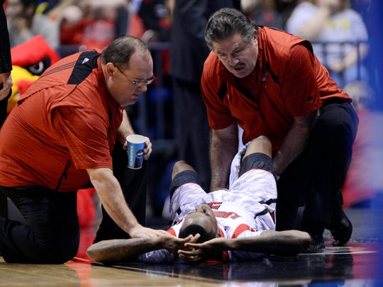 040113-kevin-ware-being-treated-file