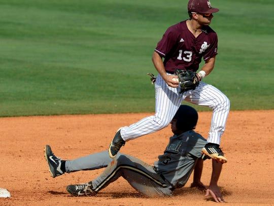 2013-05-25-brett-pirtle-mississippi-state-baseball