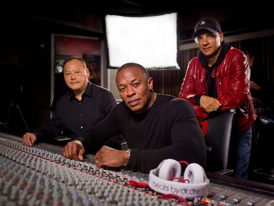 Dr. Dre, Jimmy Iovine and HTC's Peter Chou