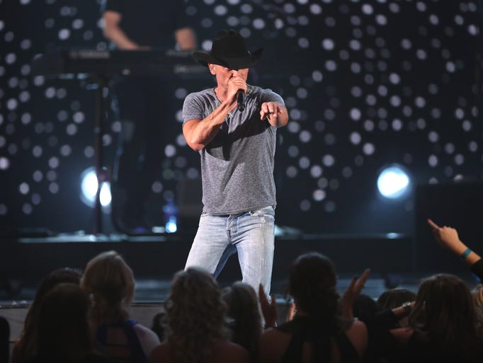 "Kenny Chesney performs """"Noise"""" at the 51st annual"