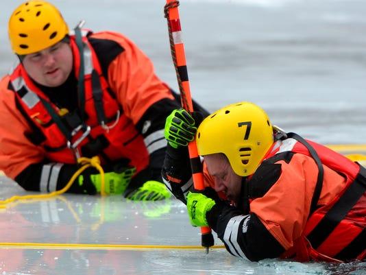 PHOTOS: Ice rescue training