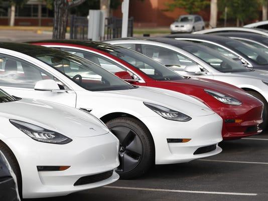 2018 Tesla Model 3,r m
